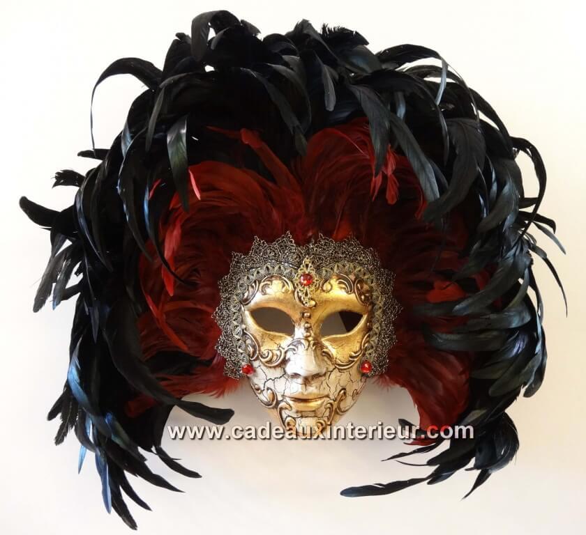 masque venise grande plume noir rouge